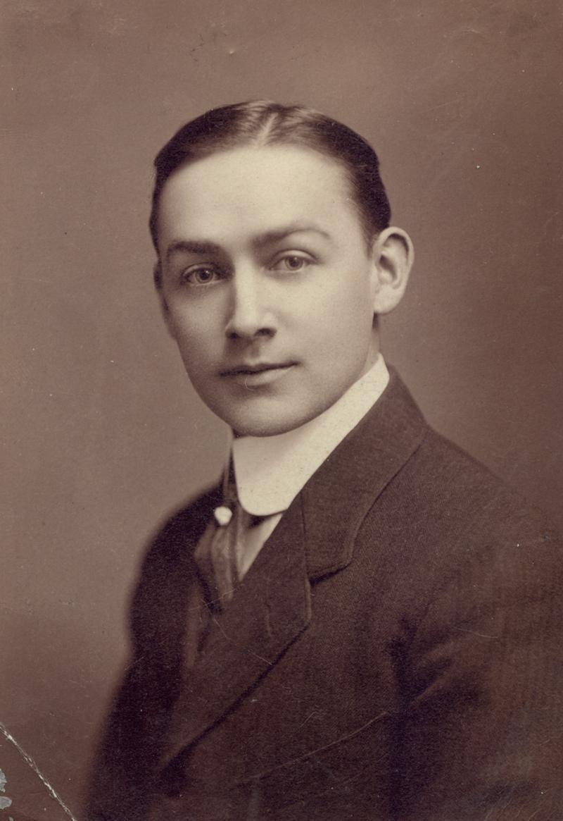 PARDOE, Dr. T. Earl